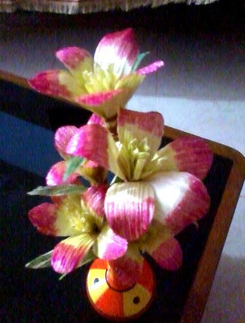 Creative Crafts Amp Arts Flowers With Corn Husk
