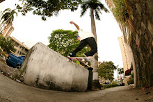 Armando/ big switch frontside noseslide