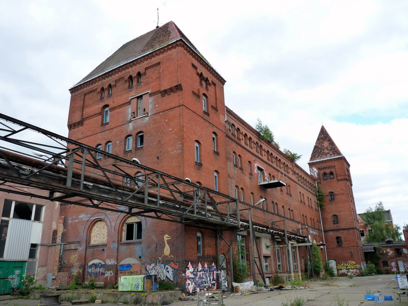 B 228 Renquell Brauerei Brewery Abandoned To The Bears
