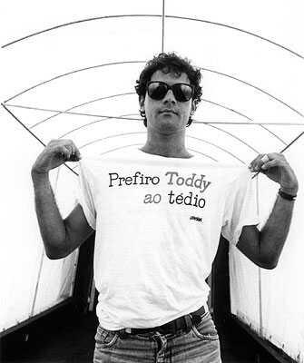 http://1.bp.blogspot.com/_qK4AMgRIRD8/SWjdlJwuJFI/AAAAAAAABCc/7C6OIXSoh9g/s400/prefiro_toddy_ao_tedio.jpg
