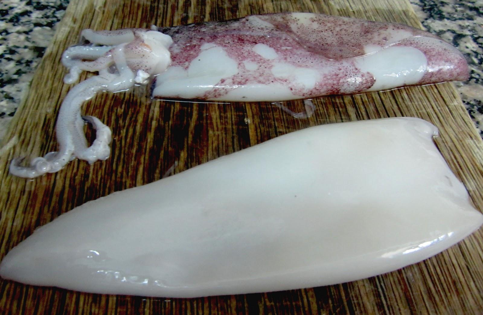 Falso sushi de calamar y langostinos cocinando con - Limpiar calamares pequenos ...