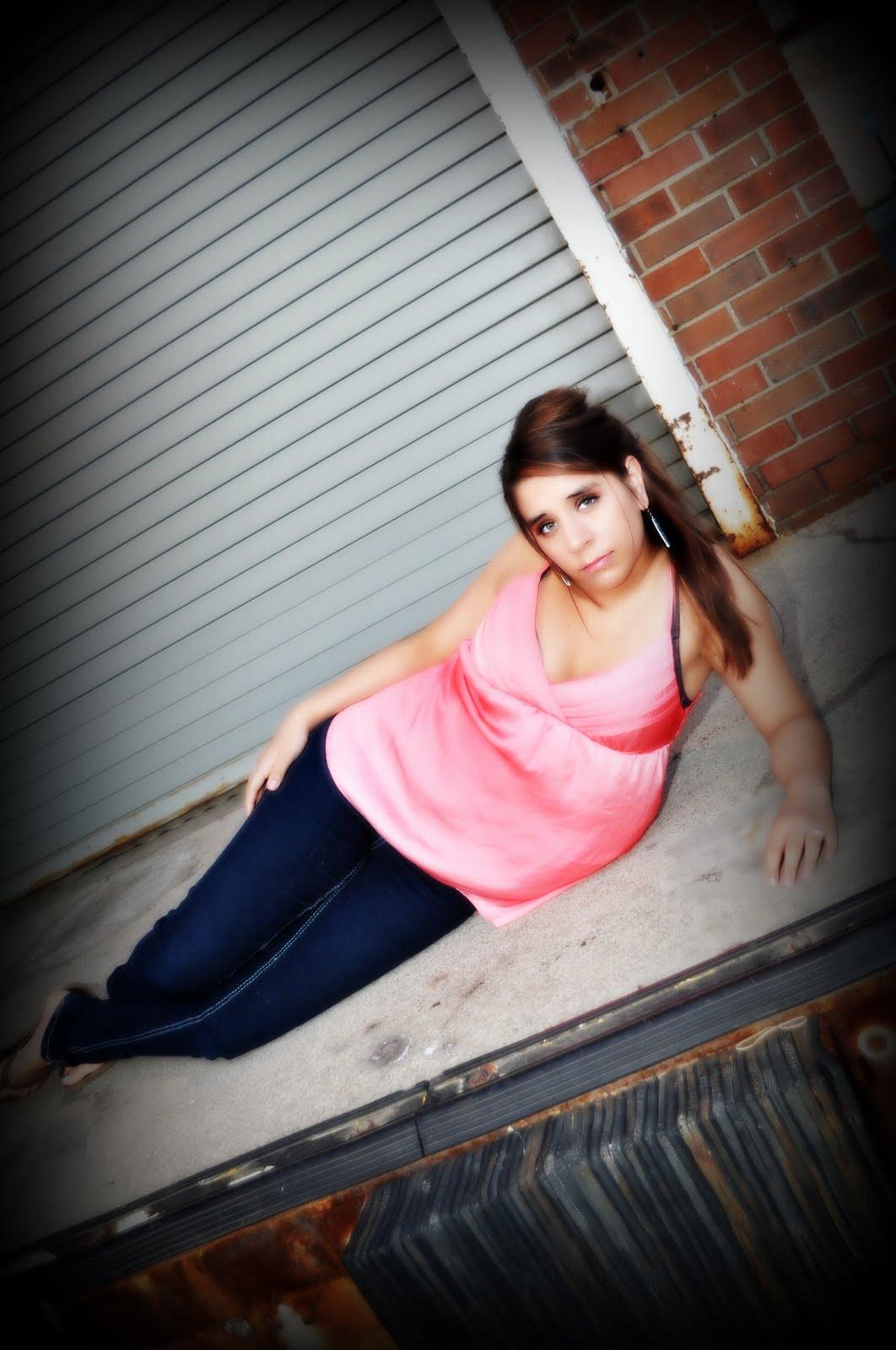 http://1.bp.blogspot.com/_qNMNRPbpac0/S_XcEn7XBbI/AAAAAAAAAgY/-2in09hMN6s/s1600/DSC_0021vignette.jpg