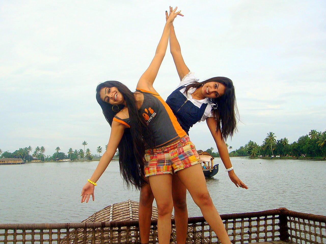 Kerala Girls In Saree Cute Images