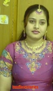 Hot Tamil Aunty With Tamil Pundai Photo Images Of Amo