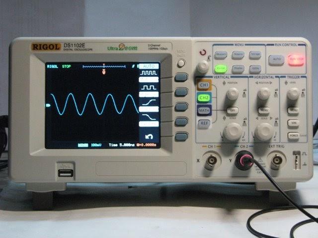 Oscilloscope Image Of B : On the drawing board rigol ds e digital oscilloscope