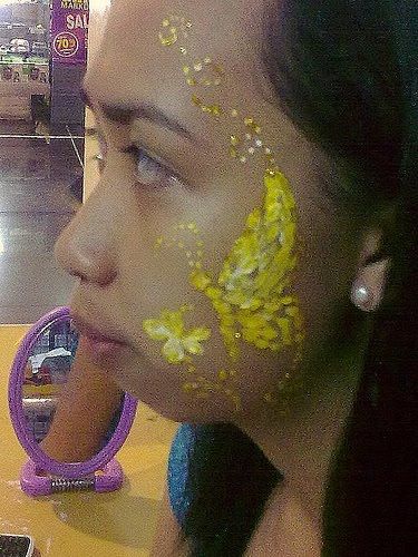[masskara2009.yellow+bfly+rob+cropped]