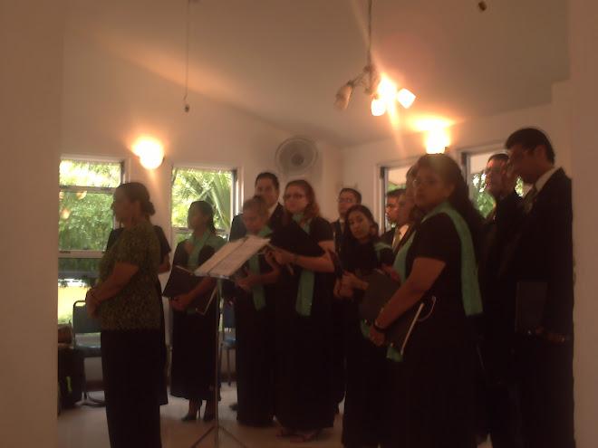 Cantando una misa en Curazao