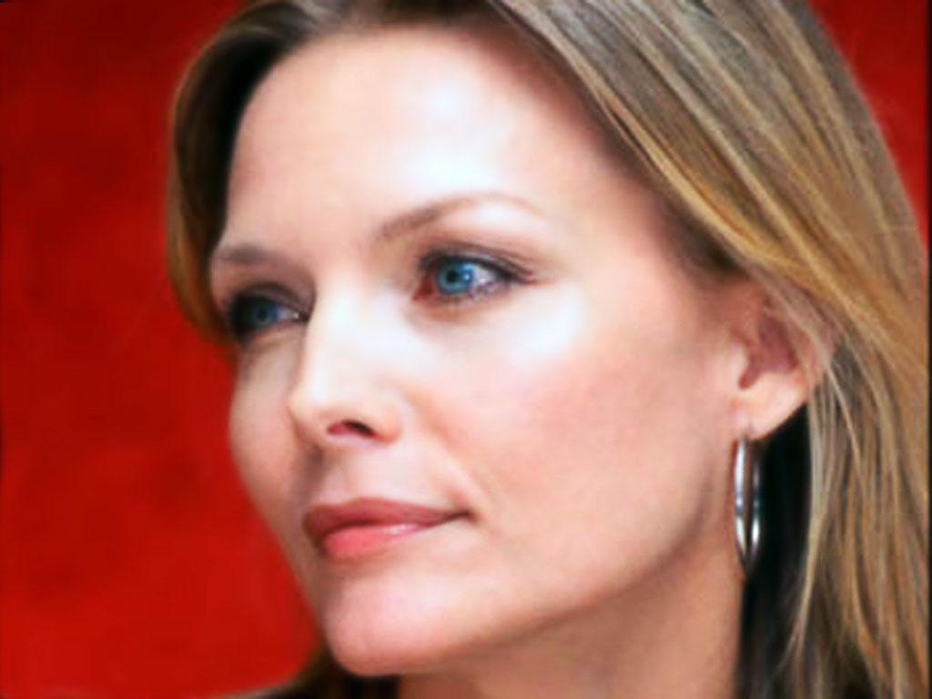 http://1.bp.blogspot.com/_qRr0JbFPLjA/TPWHJ2GjyVI/AAAAAAAAD60/lcBiG0-2GnQ/s1600/Michelle_Pfeiffer-034.jpg