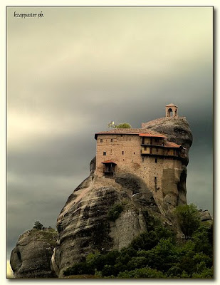 Amazing Clifftop Monasteries of Meteora, Greece Seen On www.coolpicturegallery.net