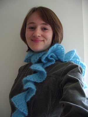 Ravelry: Spiral 'Ruffled' Scarf (knit) pattern by Lion Brand Yarn