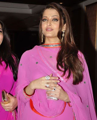 Aishwarya at neelams wedding ! Na wallpapers