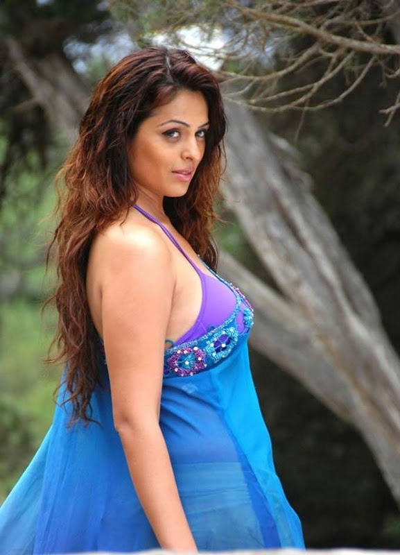 Anjana Sukhani Latest Hot Pictures navel show