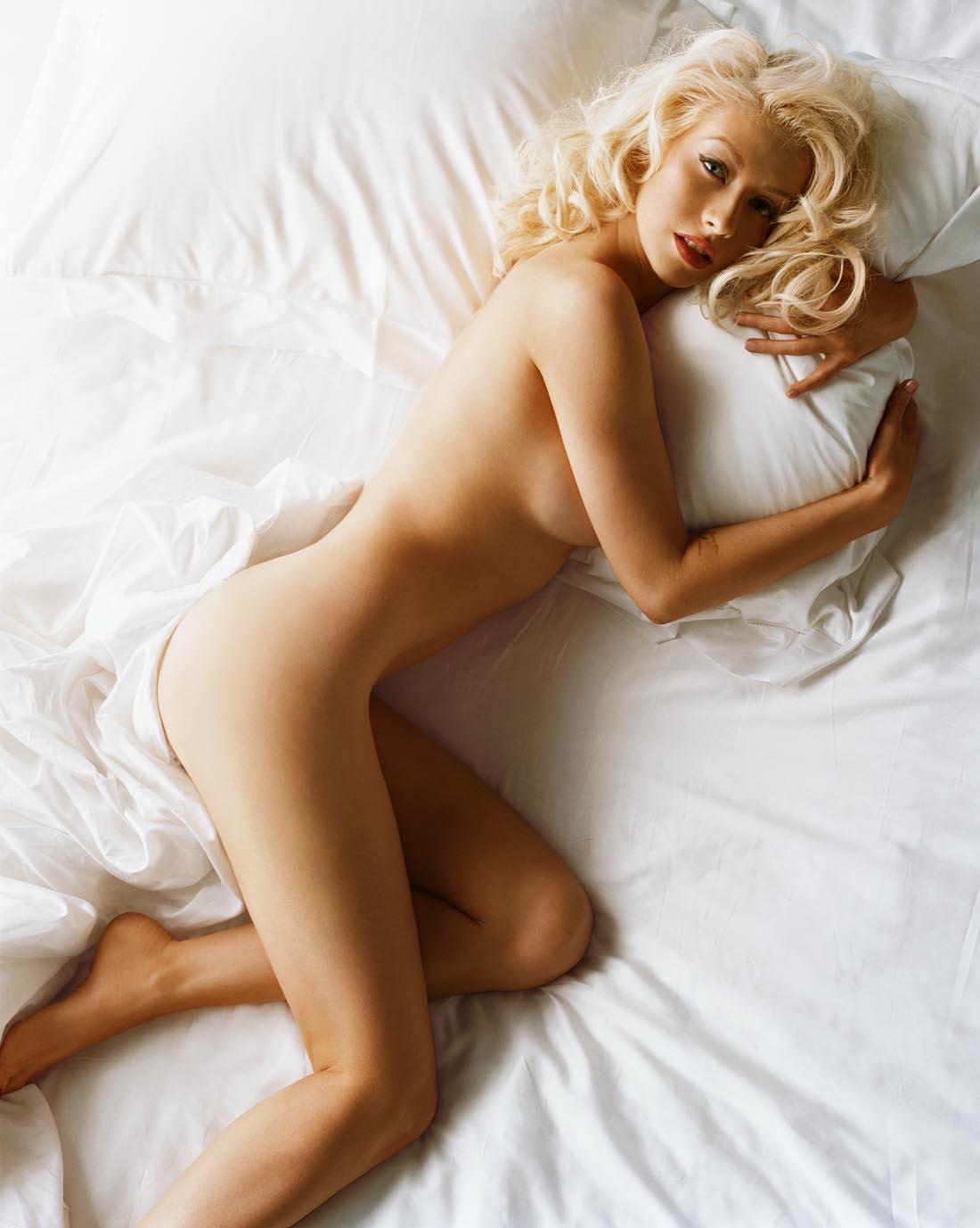 http://1.bp.blogspot.com/_qSvnsf2HMCc/TQCuE0JaweI/AAAAAAAABMc/2605zBmvppU/s1600/Christina3.jpg