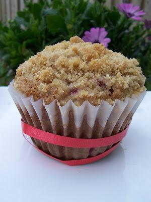 raspberry streusel muffins & oatmeal raisin muffins