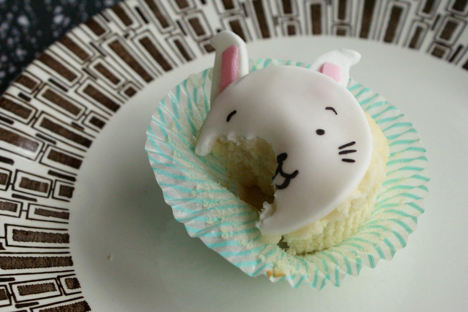 [bunny_chomp.jpg]