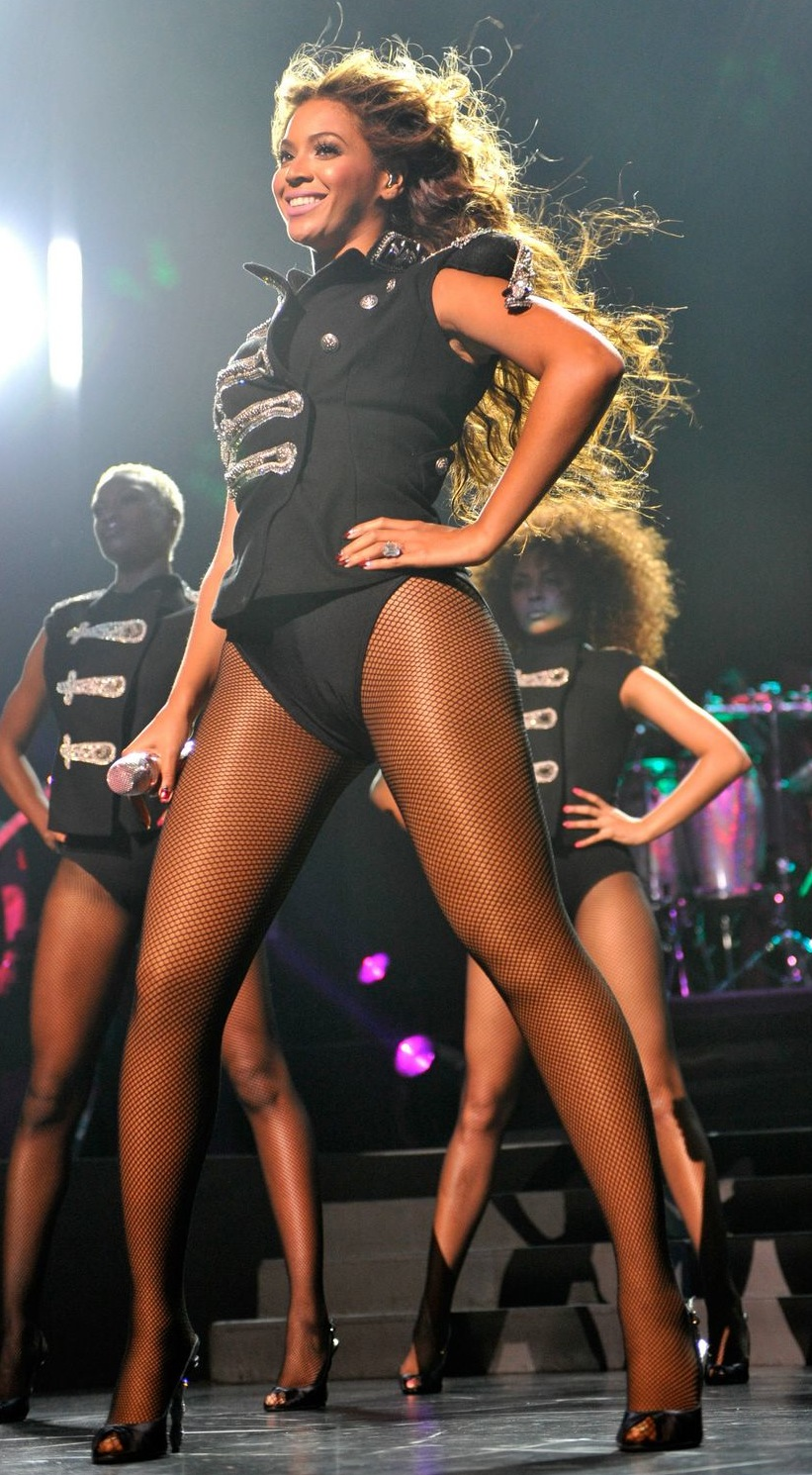 Beyonce knowles in pantyhose
