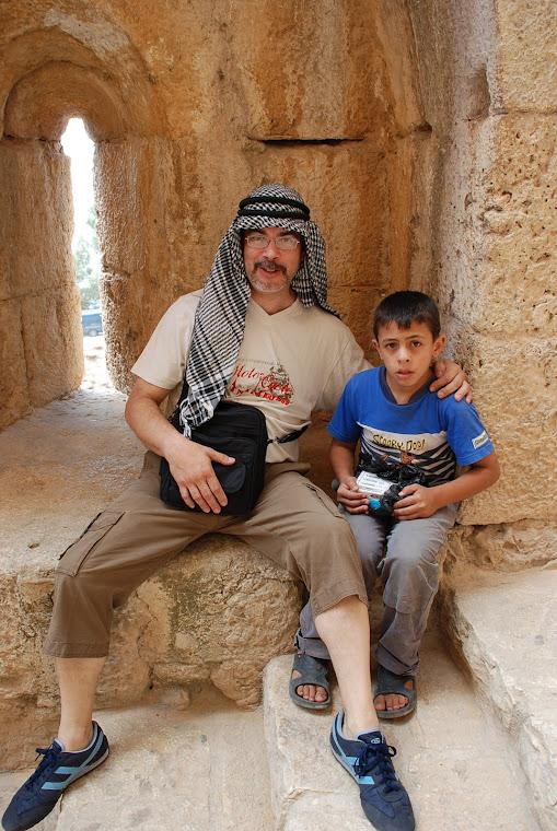 Con un niño jordano.