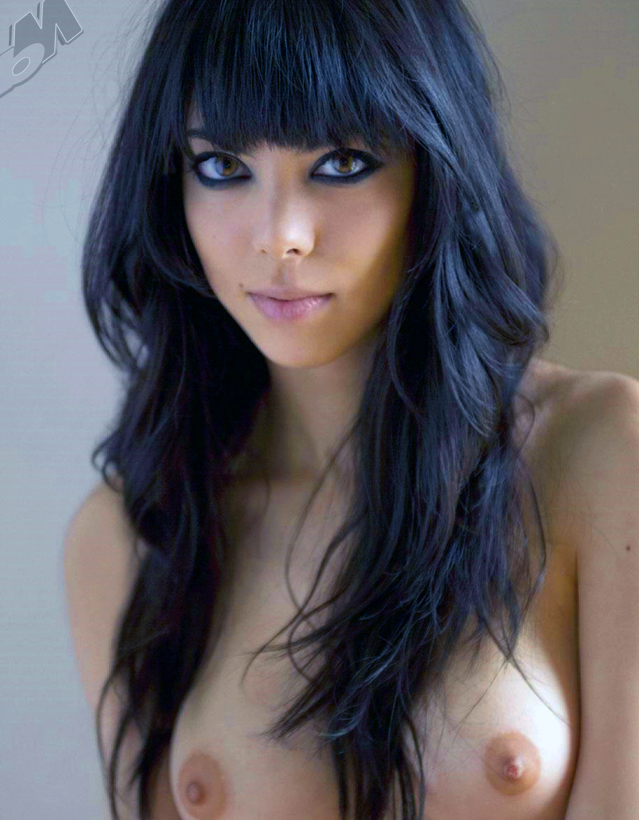 black bangs, dark eyeliner, amazing eyes and gorgeous boobs