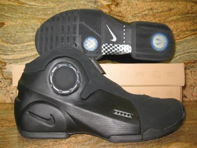 Air Flightposite II LE (Nike Air Max III LE)- Black/Black 2010 Sample