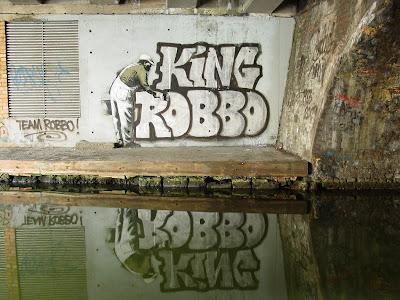 átfestették egymás graffitijét