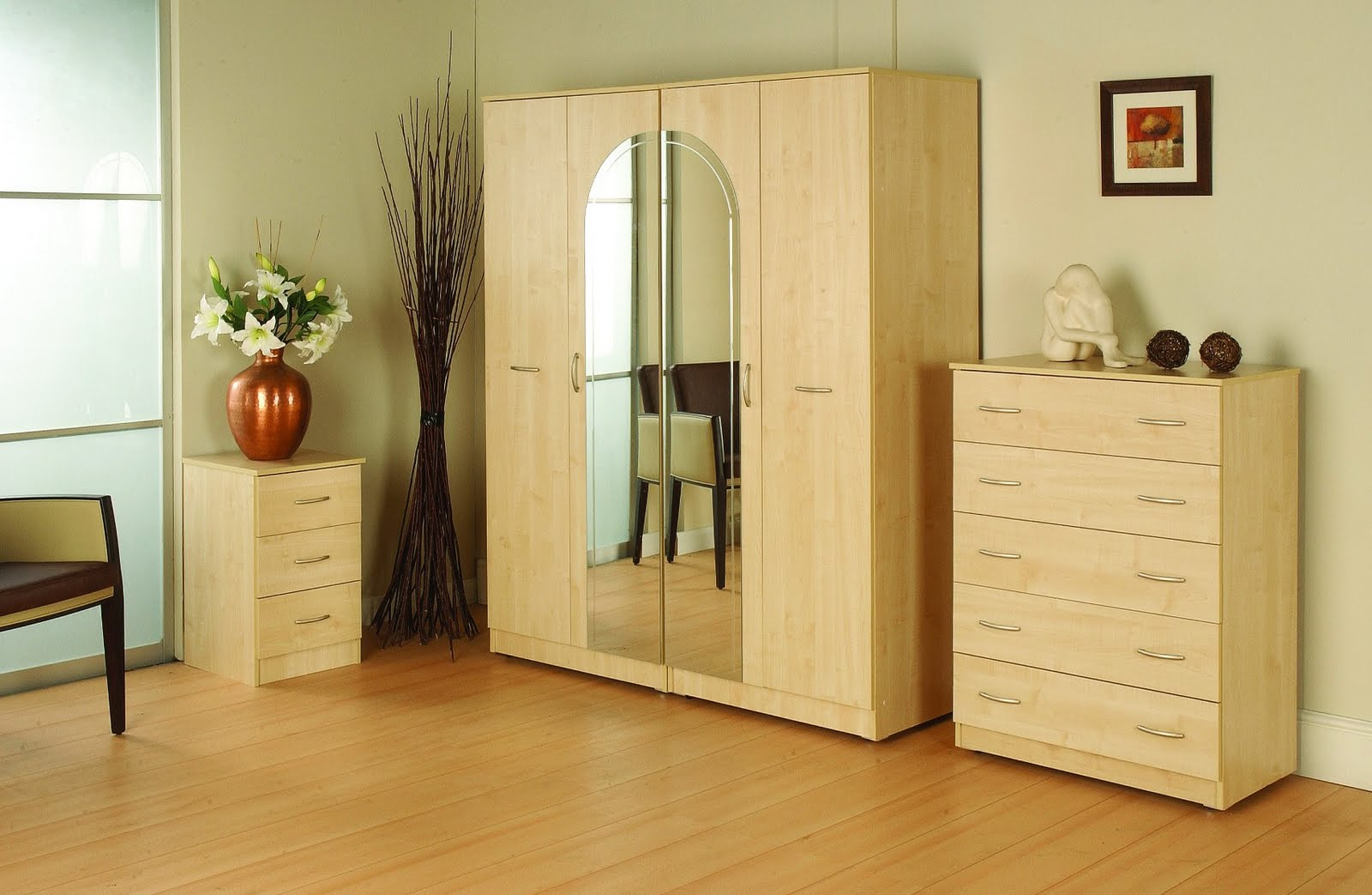 Home furnishing wardrobe designs for Bedroom cupboard designs images