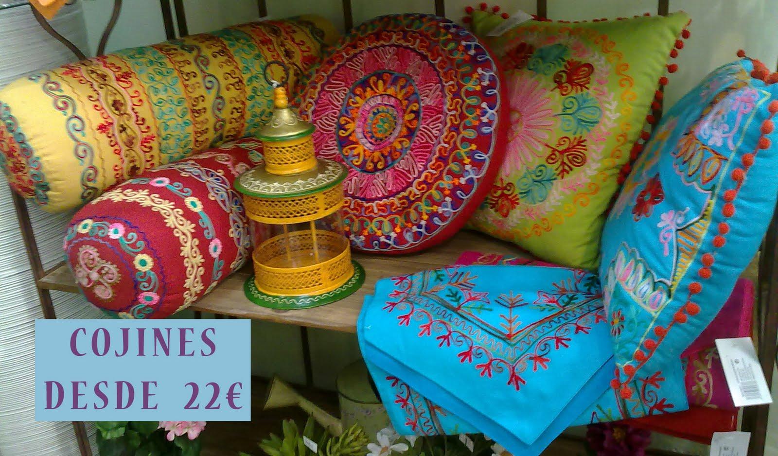 Decoraci n artico ideas y consejos con flores y plantas artificiales idea crear zona chill - Cojines indios ...