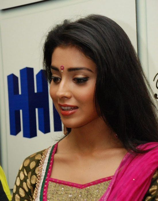 shriya xclusive actress pics