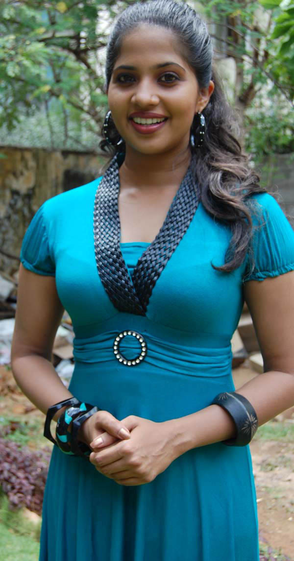 TAMIL ACTRESS DEVIKA PICTURES