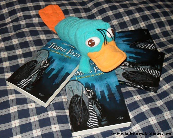 Aquí tenemos a Perry el ornitorrinco cuidando de sus ejemplares, pero ...