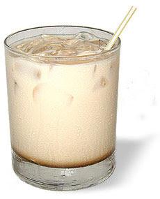 Рецепт оригинального коктейля: Белый русский.