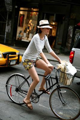 http://1.bp.blogspot.com/_qjpwnPW4c1o/Rm6Rn6S9XkI/AAAAAAAABX0/XYK0QTa4T5s/s400/Spring-Bike-Rider.jpg