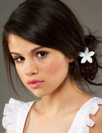 selena gomez without makeup pictures. selena gomez makeup