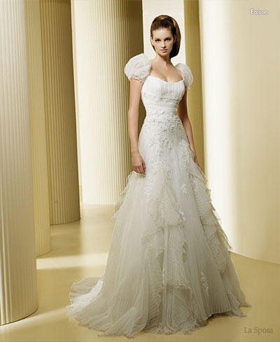 fairytale wedding dress. simple wedding dresses 2009.