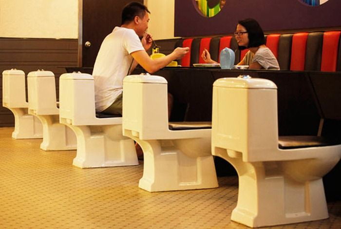 Dining at a toilet themed restaurant in China 10 Pics  : toilet restaurant china 10 from curiousphotos.blogspot.com size 700 x 470 jpeg 44kB