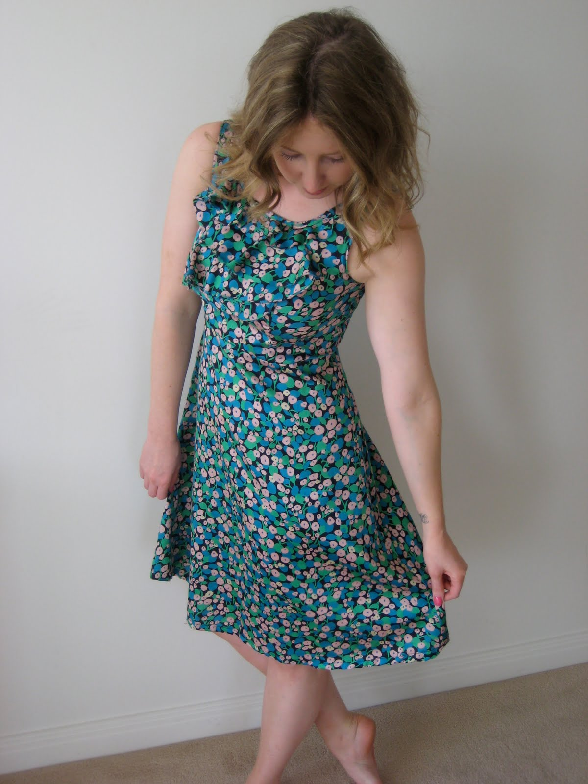 The Sew, Swap and Salvage Project: The Kitchen Tea/Coffee Date Dress