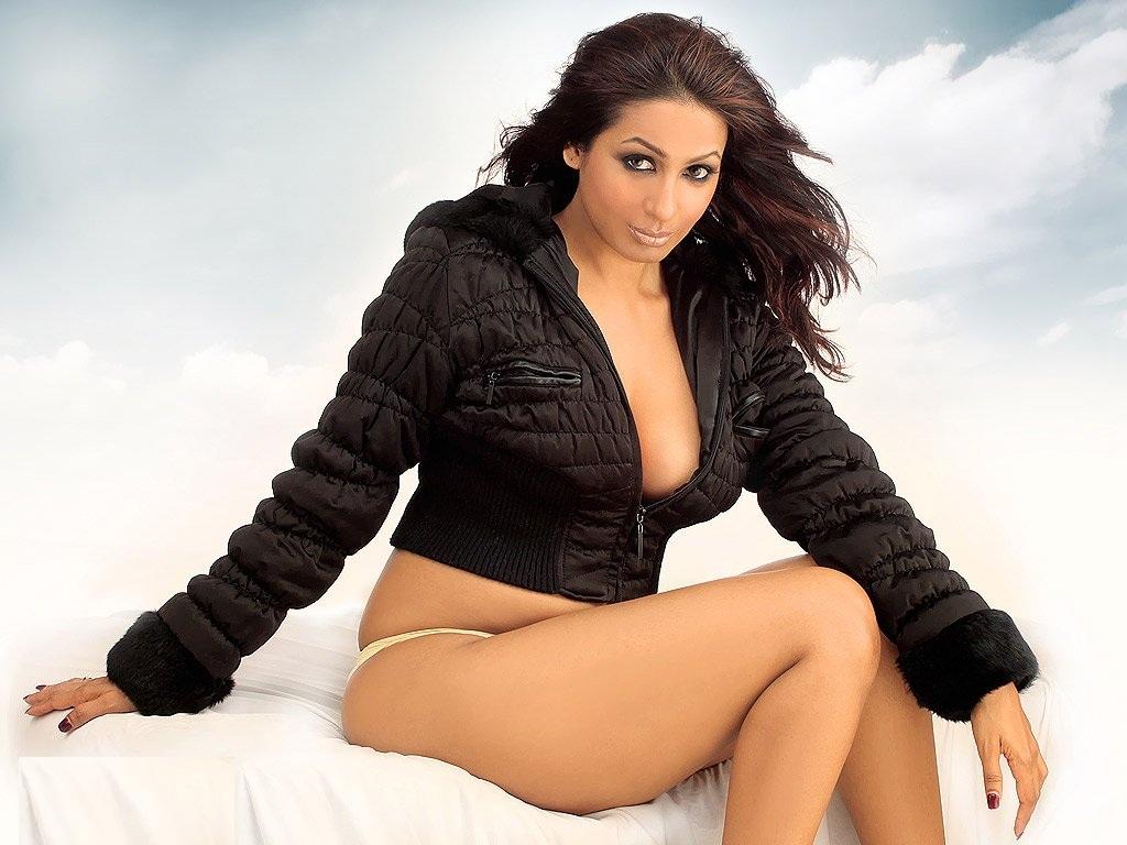 http://1.bp.blogspot.com/_qrmD8jCqKjE/TJCNwwoPPdI/AAAAAAAAJ5g/sSEqaAvt8zU/s1600/bollywood-actress-wallpapers-super-2.jpg