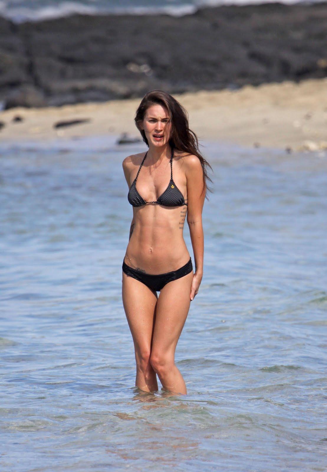 http://1.bp.blogspot.com/_qrmD8jCqKjE/TRBeJG3G4GI/AAAAAAAANE0/NN3XLUEnlMQ/s1600/megan-fox-bikini-2010-3.jpg