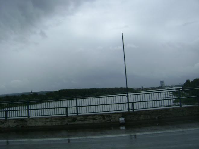 ยังวนอยู่ในเยอรมัน ฝนก็ตก แต่รถไม่ติด