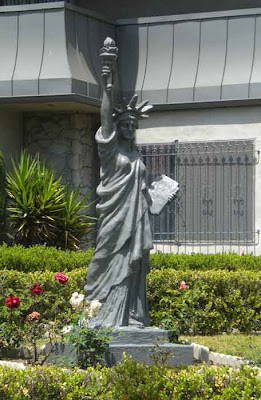 Statue of Liberty - Beverly Hills