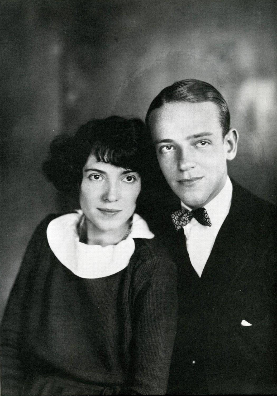 http://1.bp.blogspot.com/_qskaSRkns8A/TRmu1QVuiPI/AAAAAAAAS0Y/lvW-rimSCHQ/s1600/Adele-Astaire-4.jpg
