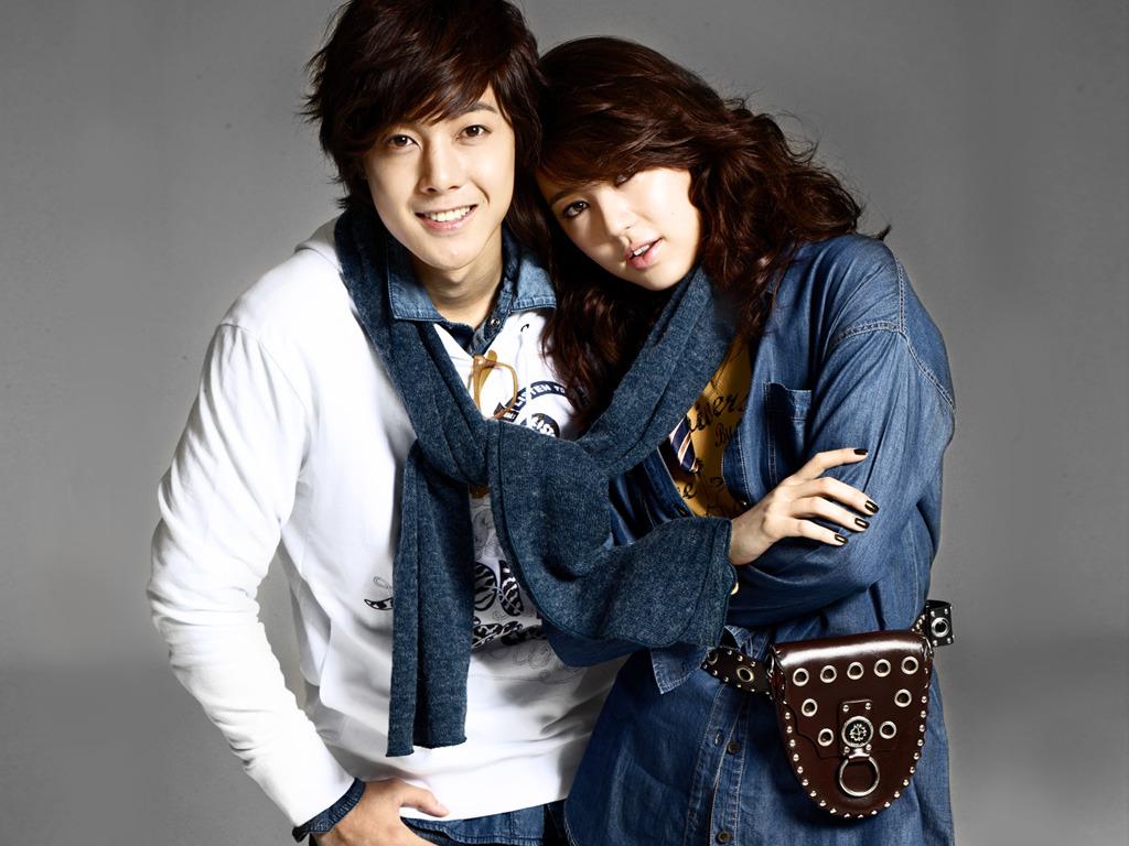 http://1.bp.blogspot.com/_qtp1tCMt-N8/TI6zuqVcJoI/AAAAAAAAExc/jykBgoU7nmY/s1600/kim+hyun+joong+basic+30.jpg