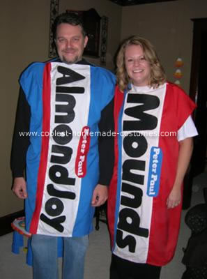 [coolest-candy-bar-couple-costume-40546.jpg]