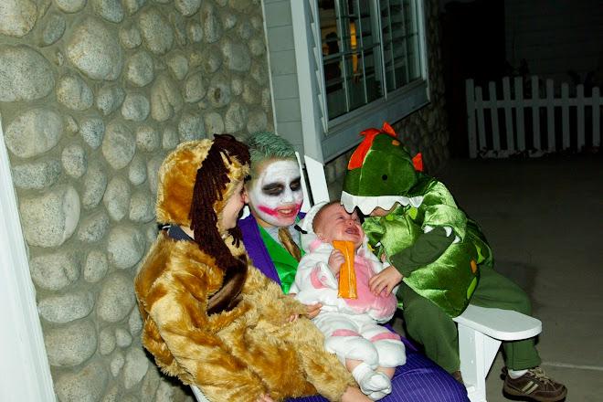 Sophie not diggin her costume
