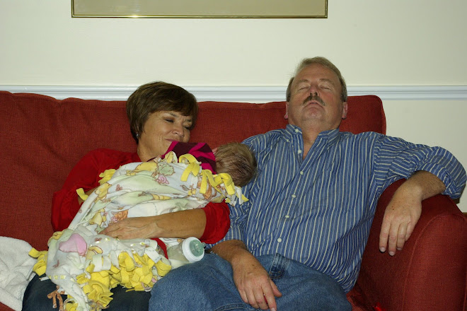 TIRED OMA PAPPA AND SOPHIE