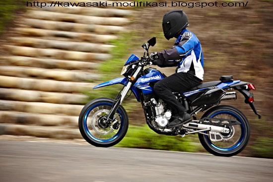 http://1.bp.blogspot.com/_qxFqZ6ngigg/S8S6ezfXKnI/AAAAAAAACX8/eweteLlbA74/s1600/2010-Kawasaki-KLX250SFa-small.jpg