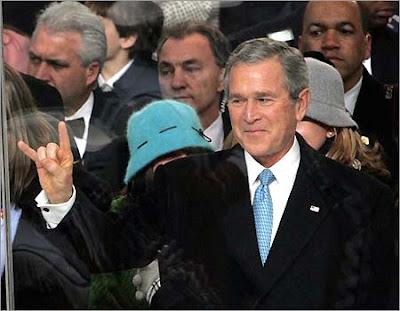 illuminati hand gesture
