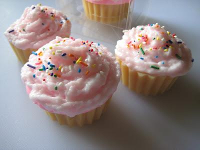GoPlanetEarth.com Cupcake Soap Mold