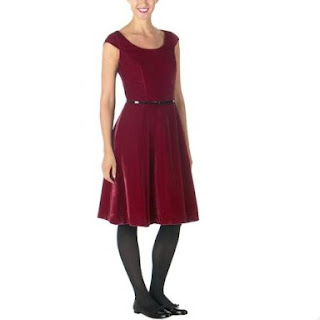 This ruffled taffeta dress is a great party dress that will be sure