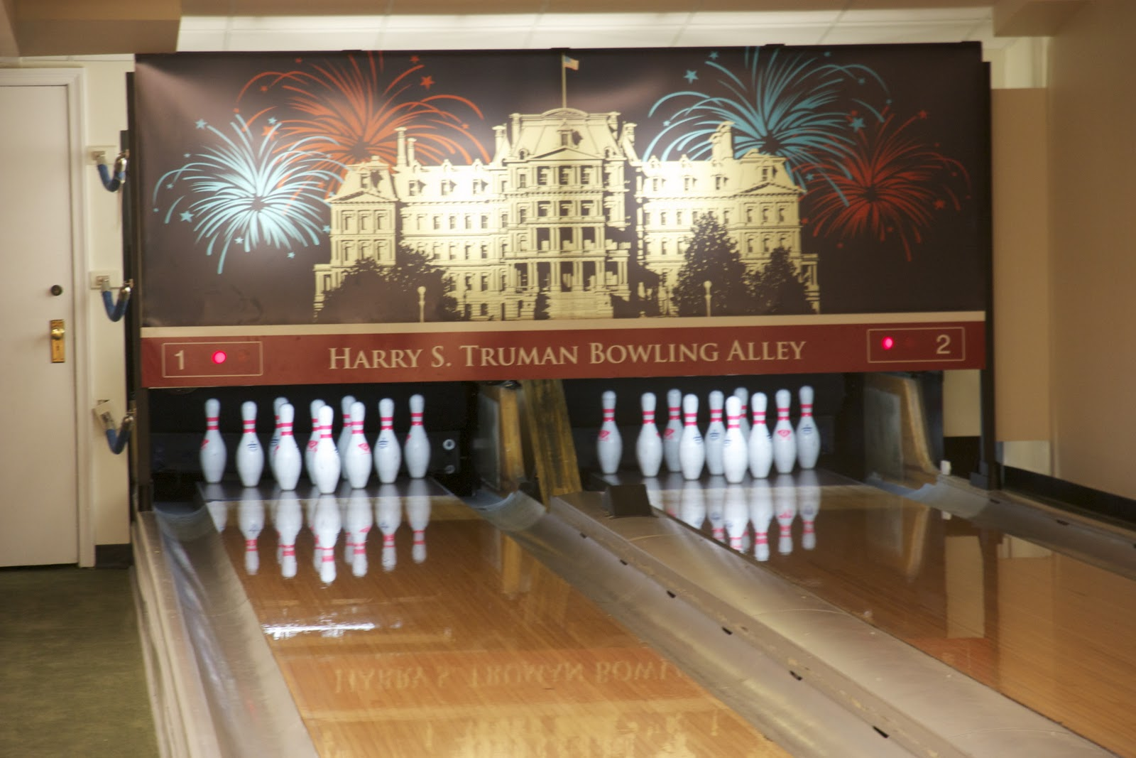 Thanksgiving Bowling At The White House Simply Weekends