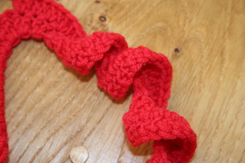 Free Knitting Patterns Childrens Hats : driftwood: spiral crochet scarf tutorial